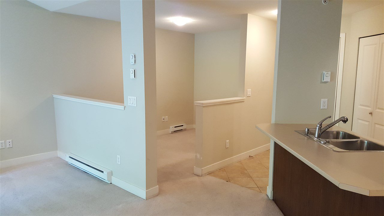 """Photo 5: Photos: 422 12248 224 Street in Maple Ridge: East Central Condo for sale in """"URBANO"""" : MLS®# R2177531"""