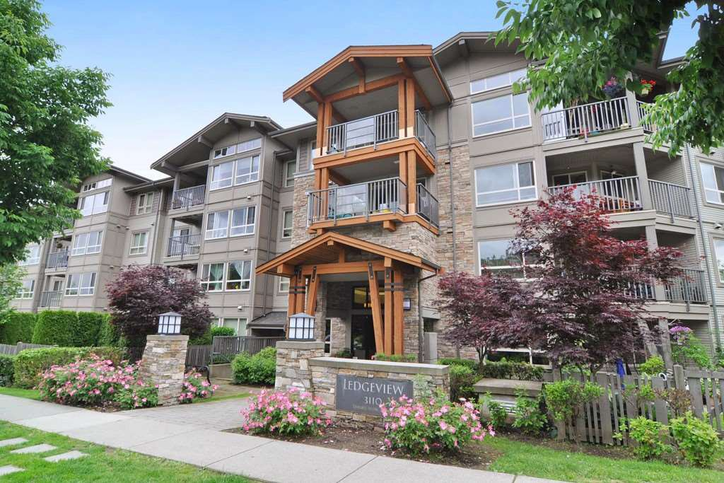 Main Photo: 403 3110 DAYANEE SPRINGS BOULEVARD in Coquitlam: Westwood Plateau Condo for sale : MLS®# R2177706
