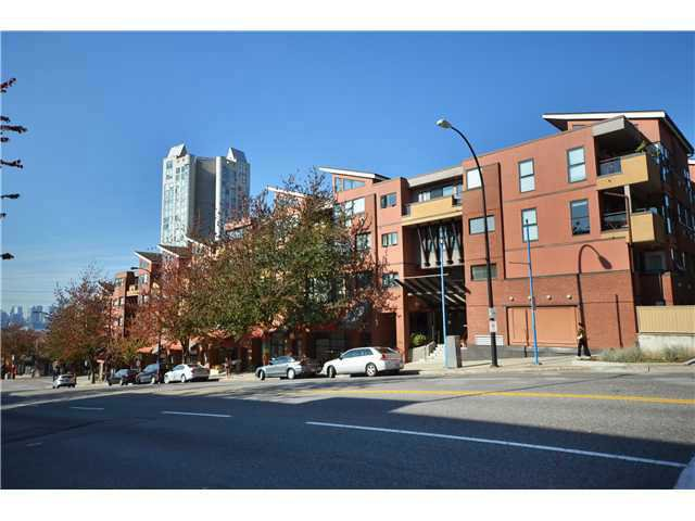 Main Photo: 413 345 Lonsdale Avenue in North Vancouver: Condo for sale : MLS®# v981744