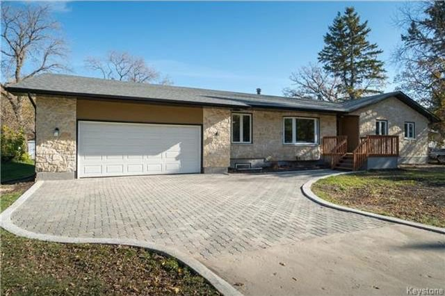 Main Photo: 103 HAZEL Avenue in St Andrews: R13 Residential for sale : MLS®# 1727090