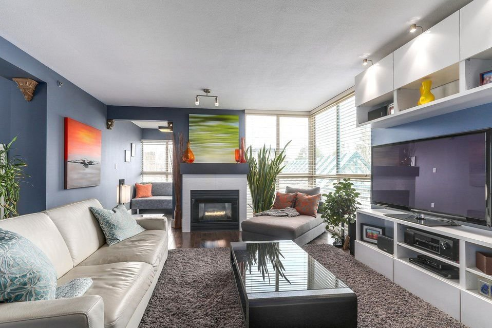 "Main Photo: 206 2988 ALDER Street in Vancouver: Fairview VW Condo for sale in ""SHAUGHNESSY GATE"" (Vancouver West)  : MLS®# R2240663"