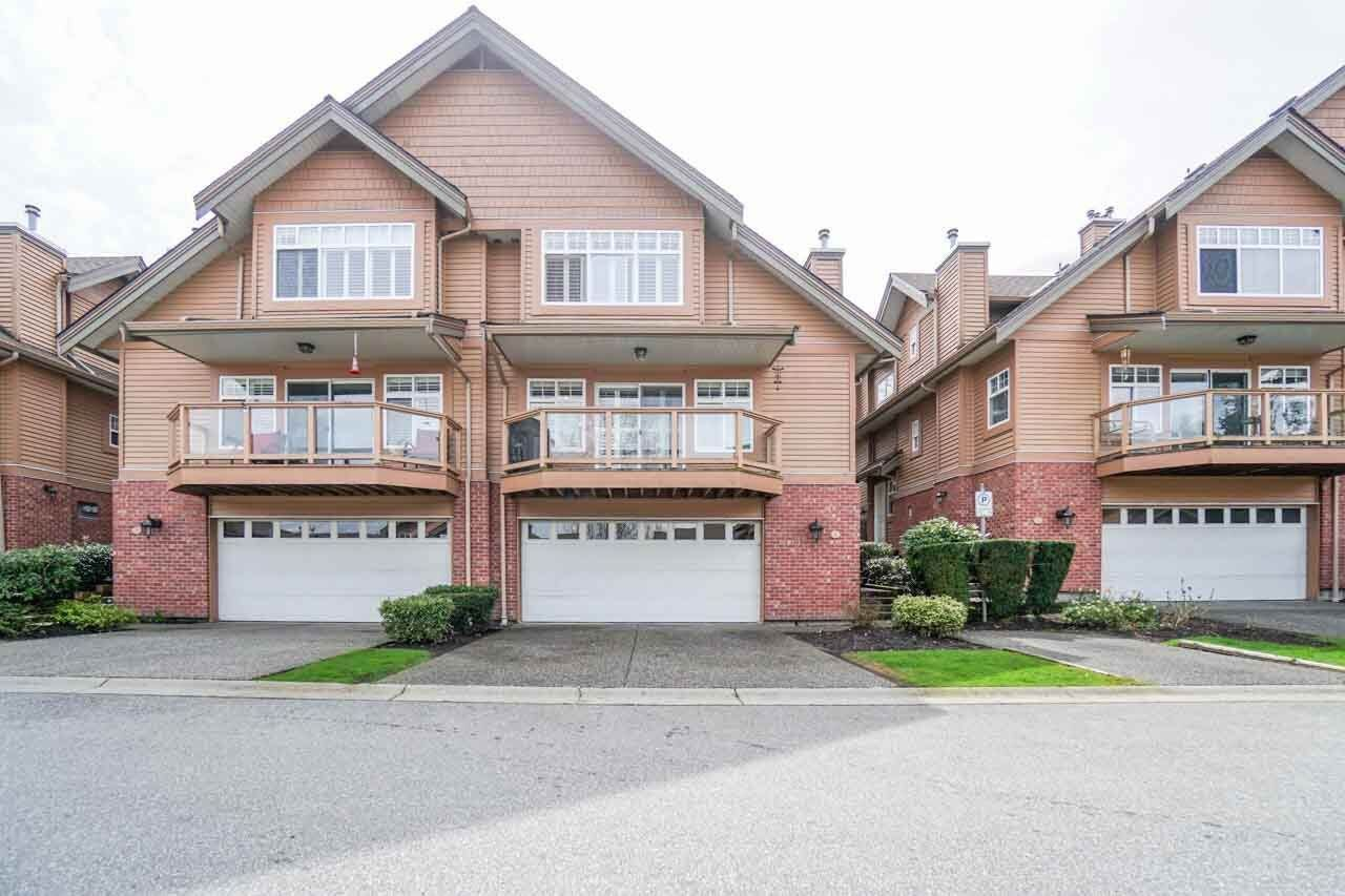 Main Photo: 4 5201 OAKMOUNT Crescent in Burnaby: Oaklands Townhouse for sale (Burnaby South)  : MLS®# R2251044