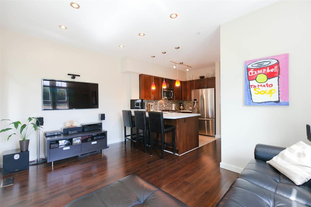 """Photo 7: Photos: 3298 CLERMONT Mews in Vancouver: Champlain Heights Townhouse for sale in """"BORDEAUX AT CHAMPLAIN GARDENS"""" (Vancouver East)  : MLS®# R2283189"""