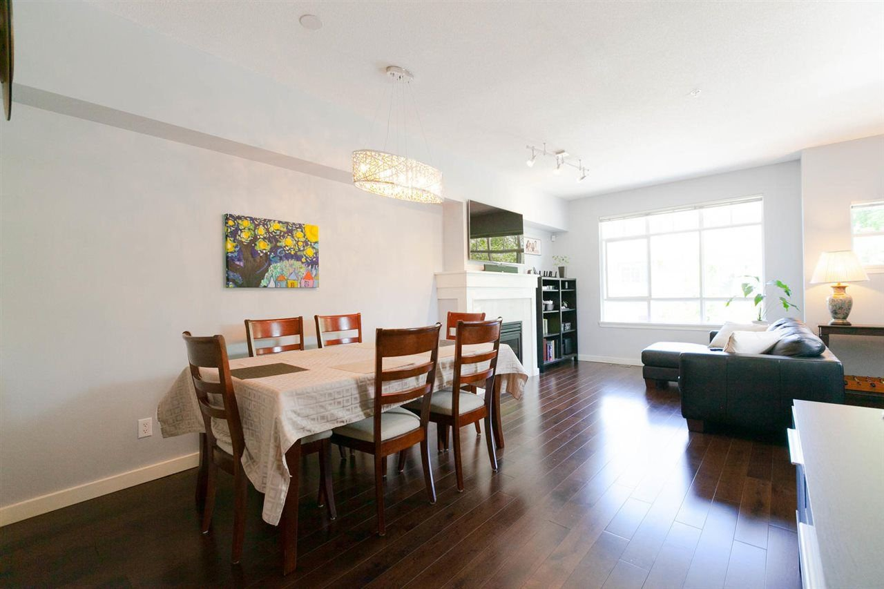 """Photo 4: Photos: 3298 CLERMONT Mews in Vancouver: Champlain Heights Townhouse for sale in """"BORDEAUX AT CHAMPLAIN GARDENS"""" (Vancouver East)  : MLS®# R2283189"""