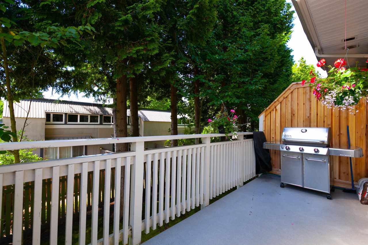"""Photo 10: Photos: 3298 CLERMONT Mews in Vancouver: Champlain Heights Townhouse for sale in """"BORDEAUX AT CHAMPLAIN GARDENS"""" (Vancouver East)  : MLS®# R2283189"""