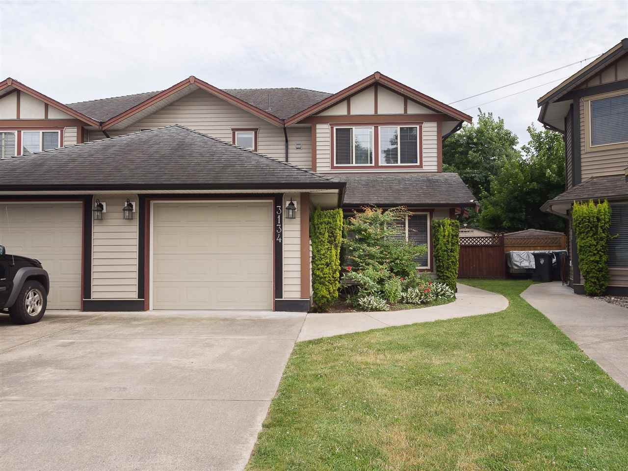Main Photo: 3134 267A Street in Langley: Aldergrove Langley House 1/2 Duplex for sale : MLS®# R2284390