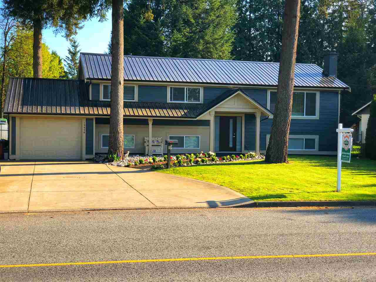 Main Photo: 19970 50 Avenue in Langley: Langley City House for sale : MLS®# R2296312