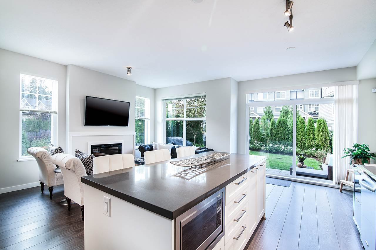 """Photo 3: Photos: 37 3461 PRINCETON Avenue in Coquitlam: Burke Mountain Townhouse for sale in """"BRIDLEWOOD"""" : MLS®# R2302518"""