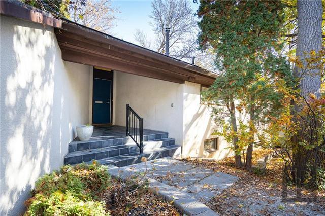 Main Photo: 60 Kings Drive in Winnipeg: University Heights Residential for sale (1K)  : MLS®# 1828488