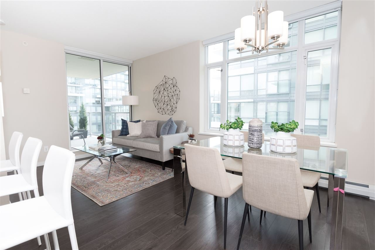 "Main Photo: 602 1708 COLUMBIA Street in Vancouver: False Creek Condo for sale in ""Wall Centre False Creek West Tower One"" (Vancouver West)  : MLS®# R2345448"