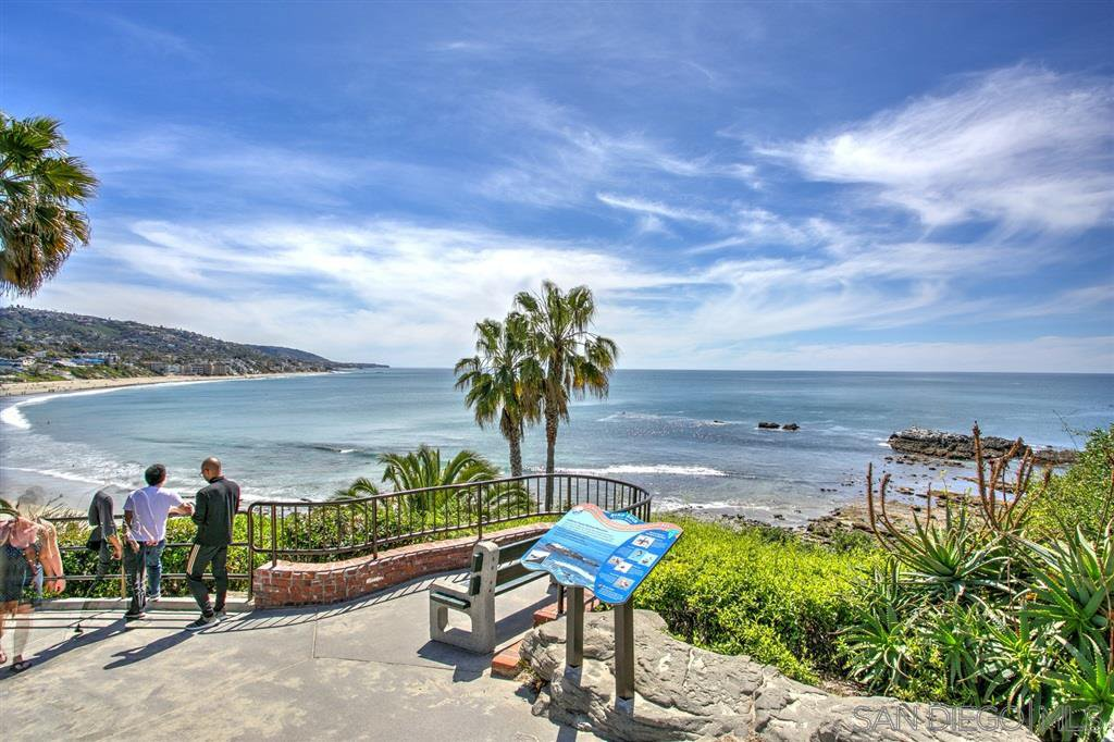 Photo 18: Photos: OUT OF AREA Condo for sale : 2 bedrooms : 245 Aster Steet #5 in Laguna Beach