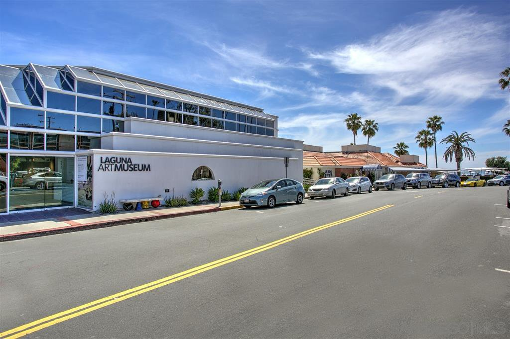 Photo 16: Photos: OUT OF AREA Condo for sale : 2 bedrooms : 245 Aster Steet #5 in Laguna Beach