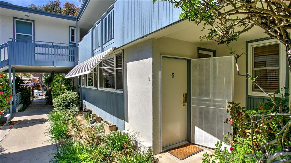 Photo 4: Photos: OUT OF AREA Condo for sale : 2 bedrooms : 245 Aster Steet #5 in Laguna Beach