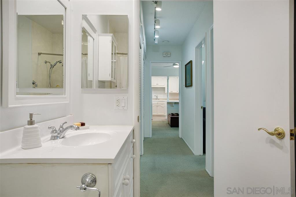 Photo 10: Photos: OUT OF AREA Condo for sale : 2 bedrooms : 245 Aster Steet #5 in Laguna Beach