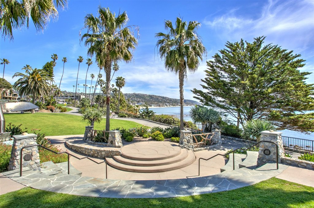 Photo 21: Photos: OUT OF AREA Condo for sale : 2 bedrooms : 245 Aster Steet #5 in Laguna Beach