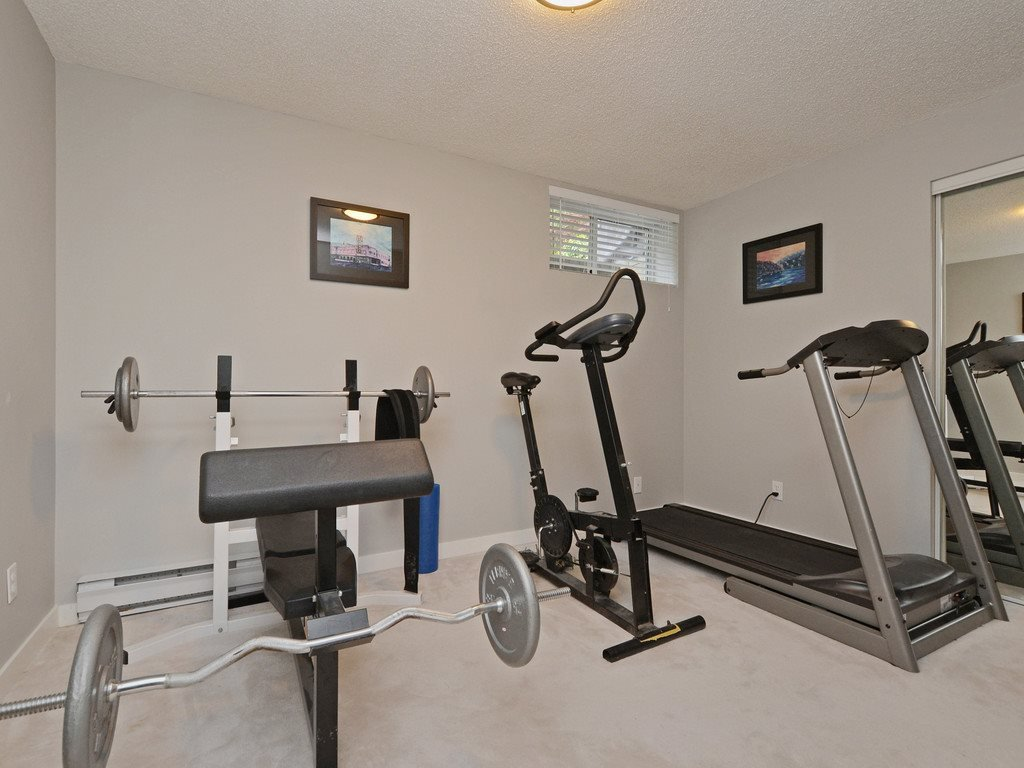 "Photo 17: Photos: 2193 HIXON Court in North Vancouver: Indian River House for sale in ""INDIAN RIVER"" : MLS®# R2360303"