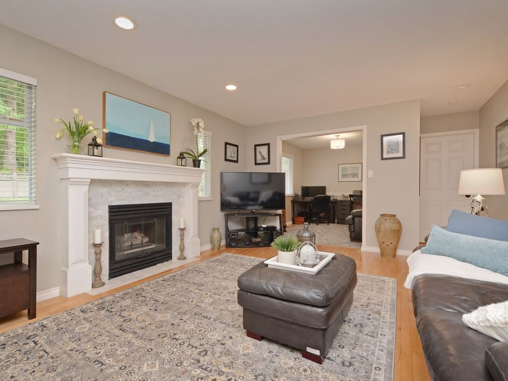 "Photo 6: Photos: 2193 HIXON Court in North Vancouver: Indian River House for sale in ""INDIAN RIVER"" : MLS®# R2360303"