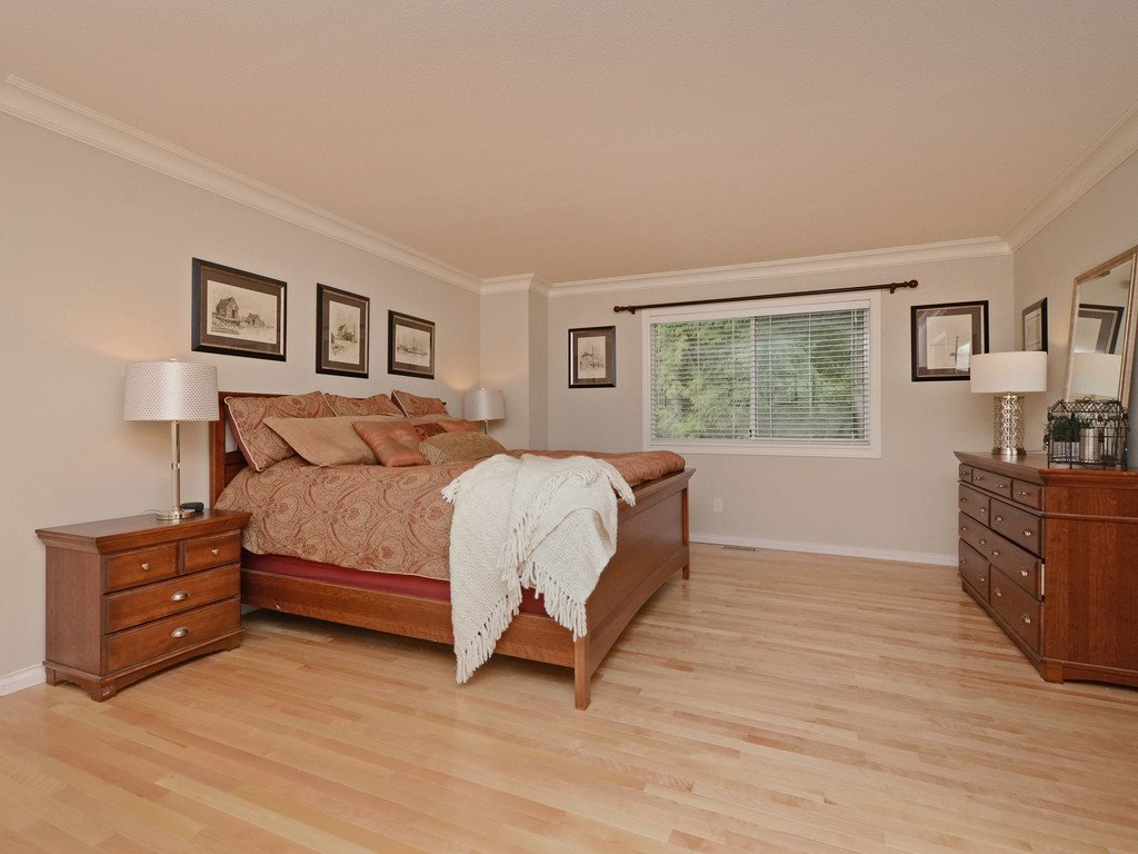 "Photo 8: Photos: 2193 HIXON Court in North Vancouver: Indian River House for sale in ""INDIAN RIVER"" : MLS®# R2360303"