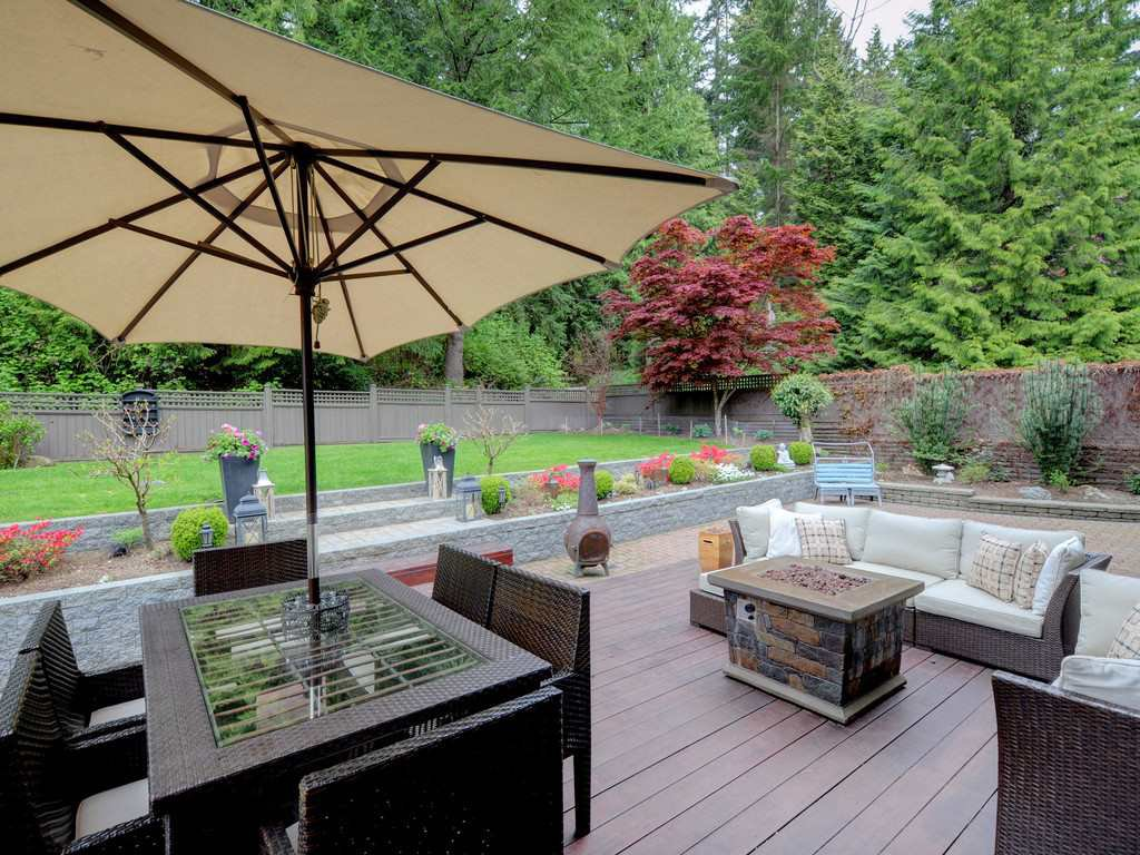 "Photo 18: Photos: 2193 HIXON Court in North Vancouver: Indian River House for sale in ""INDIAN RIVER"" : MLS®# R2360303"