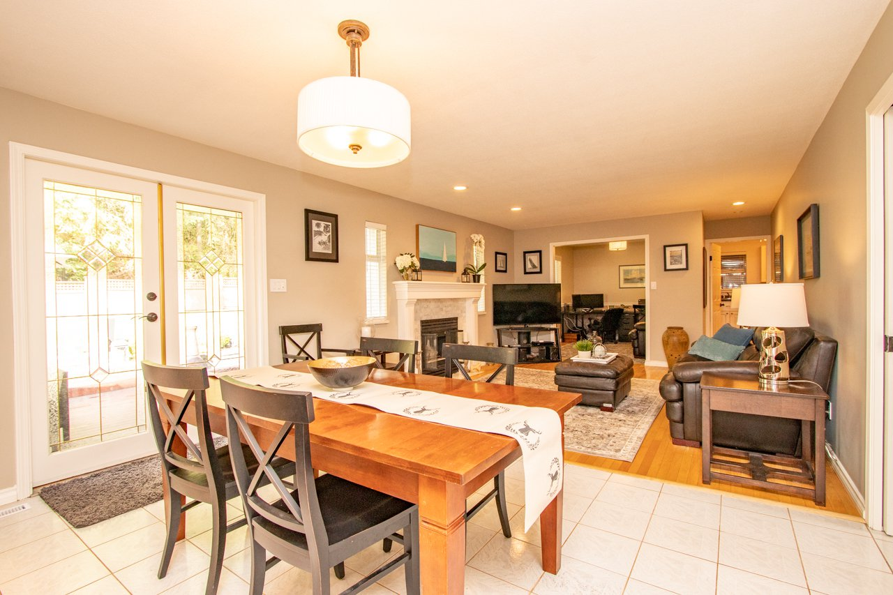 "Photo 28: Photos: 2193 HIXON Court in North Vancouver: Indian River House for sale in ""INDIAN RIVER"" : MLS®# R2360303"