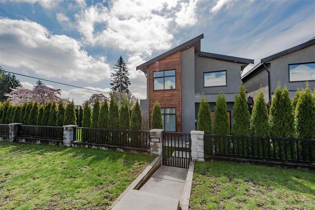 Main Photo: 6698 AUBREY Street in Burnaby: Sperling-Duthie House 1/2 Duplex for sale (Burnaby North)  : MLS®# R2365603