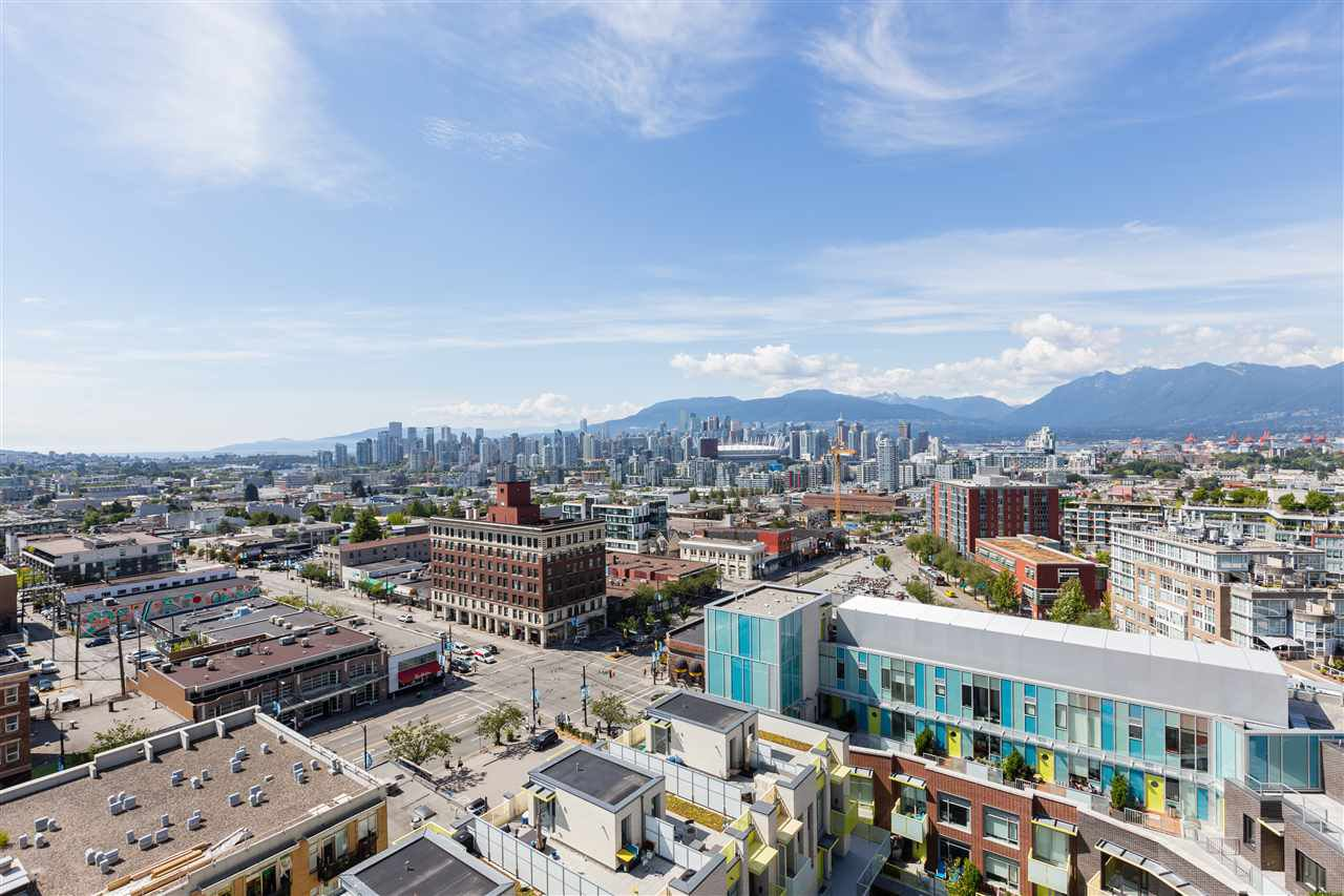 Main Photo: 1610 285 E 10 AVENUE in Vancouver: Mount Pleasant VE Condo for sale (Vancouver East)  : MLS®# R2382603