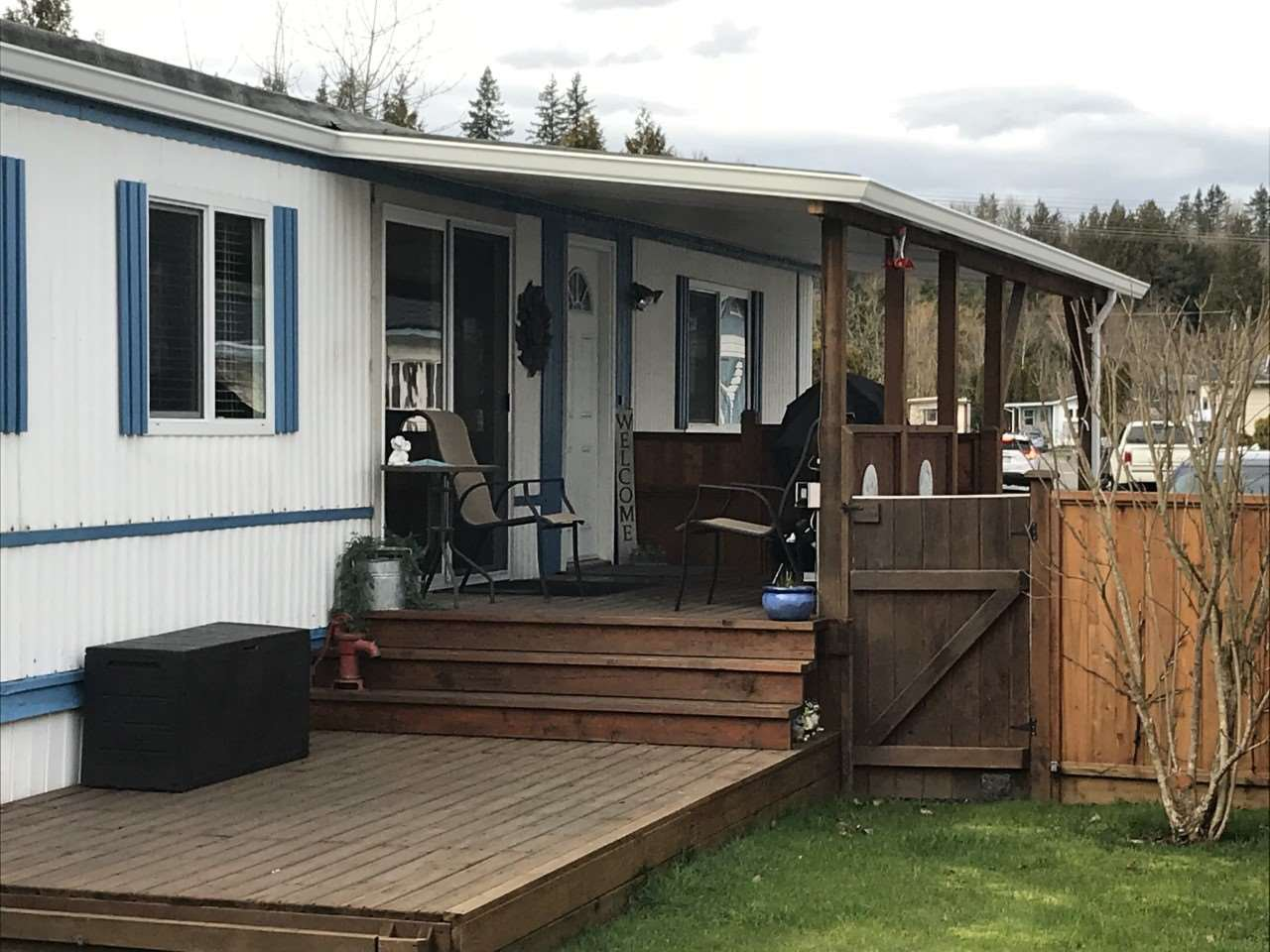 "Main Photo: 27 3300 HORN Street in Abbotsford: Central Abbotsford Manufactured Home for sale in ""GEORGIAN PARK"" : MLS®# R2439670"