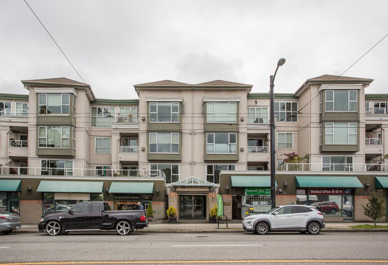 "Main Photo: 407 3480 MAIN Street in Vancouver: Main Condo for sale in ""The Newport"" (Vancouver East)  : MLS®# R2485056"