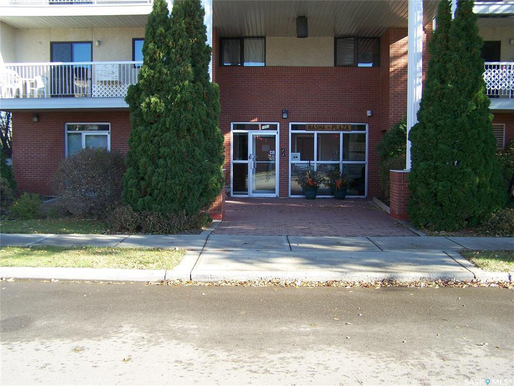 Main Photo: 205 1002 108th Street in North Battleford: Residential for sale : MLS®# SK833187