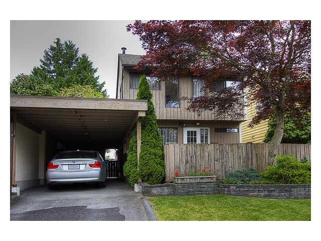 """Main Photo: 4955 THORNWOOD Place in Burnaby: Greentree Village House for sale in """"GREENTREE VILLAGE"""" (Burnaby South)  : MLS®# V899912"""
