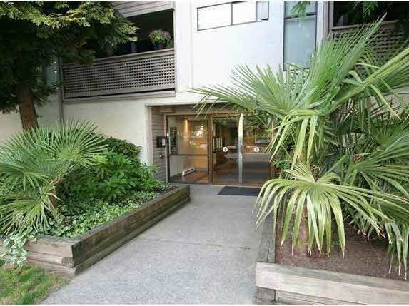 """Main Photo: 204 423 AGNES Street in New Westminster: Downtown NW Condo for sale in """"THE RIDGEVIEW"""" : MLS®# V1072443"""