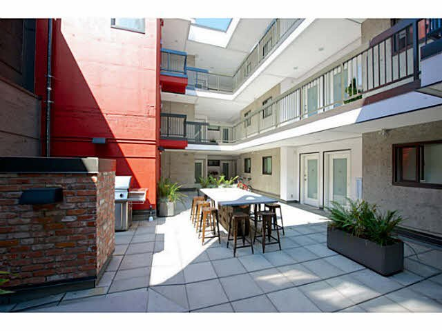 """Main Photo: 405 370 CARRALL Street in Vancouver: Downtown VE Condo for sale in """"21 DOORS"""" (Vancouver East)  : MLS®# V1141894"""