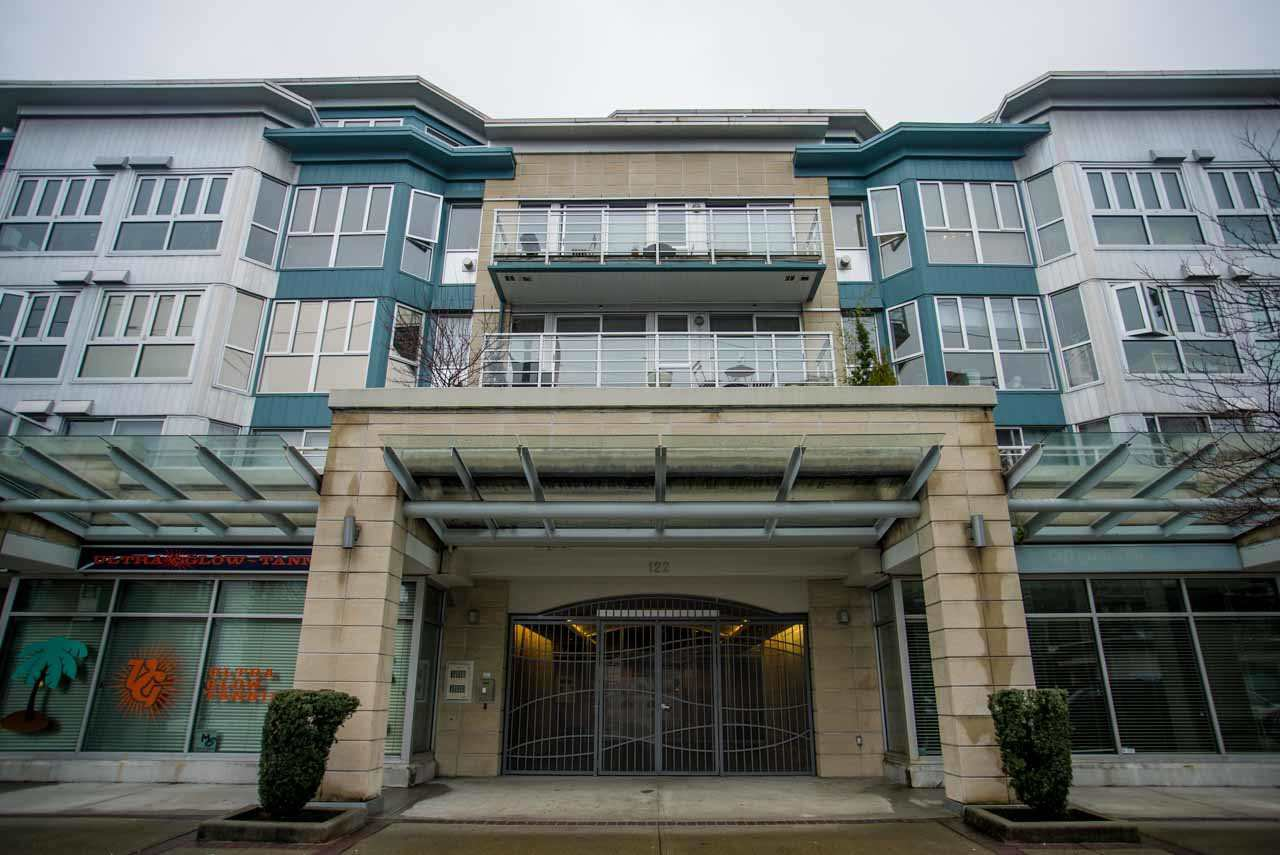 "Main Photo: 407 122 E 3RD Street in North Vancouver: Lower Lonsdale Condo for sale in ""SAUSALITO"" : MLS®# R2034423"