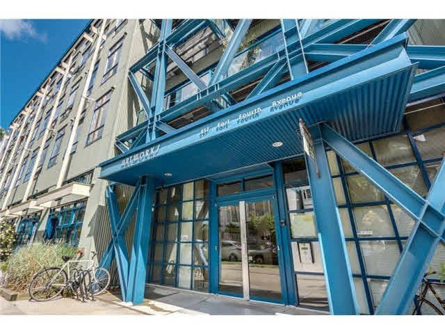 """Main Photo: 205 237 4TH Avenue in Vancouver: Mount Pleasant VE Condo for sale in """"ARTWORKS"""" (Vancouver East)  : MLS®# R2037663"""