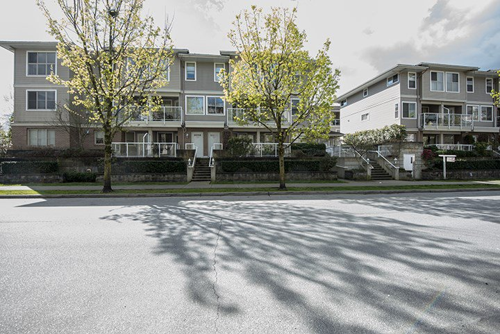 Main Photo: 202 2432 WELCHER Avenue in Port Coquitlam: Central Pt Coquitlam Townhouse for sale : MLS®# R2052975
