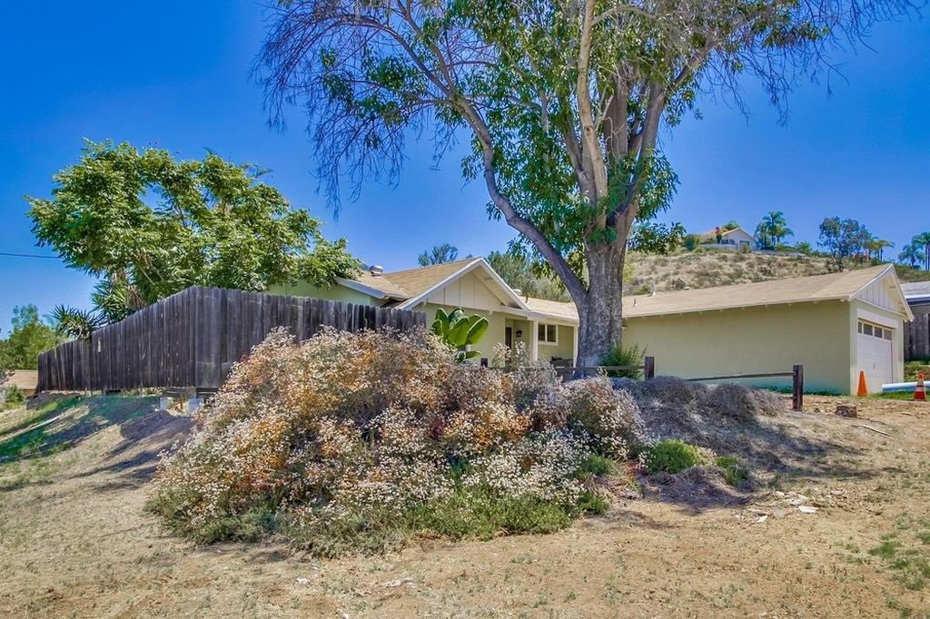Main Photo: POWAY House for sale : 3 bedrooms : 12502 Holland