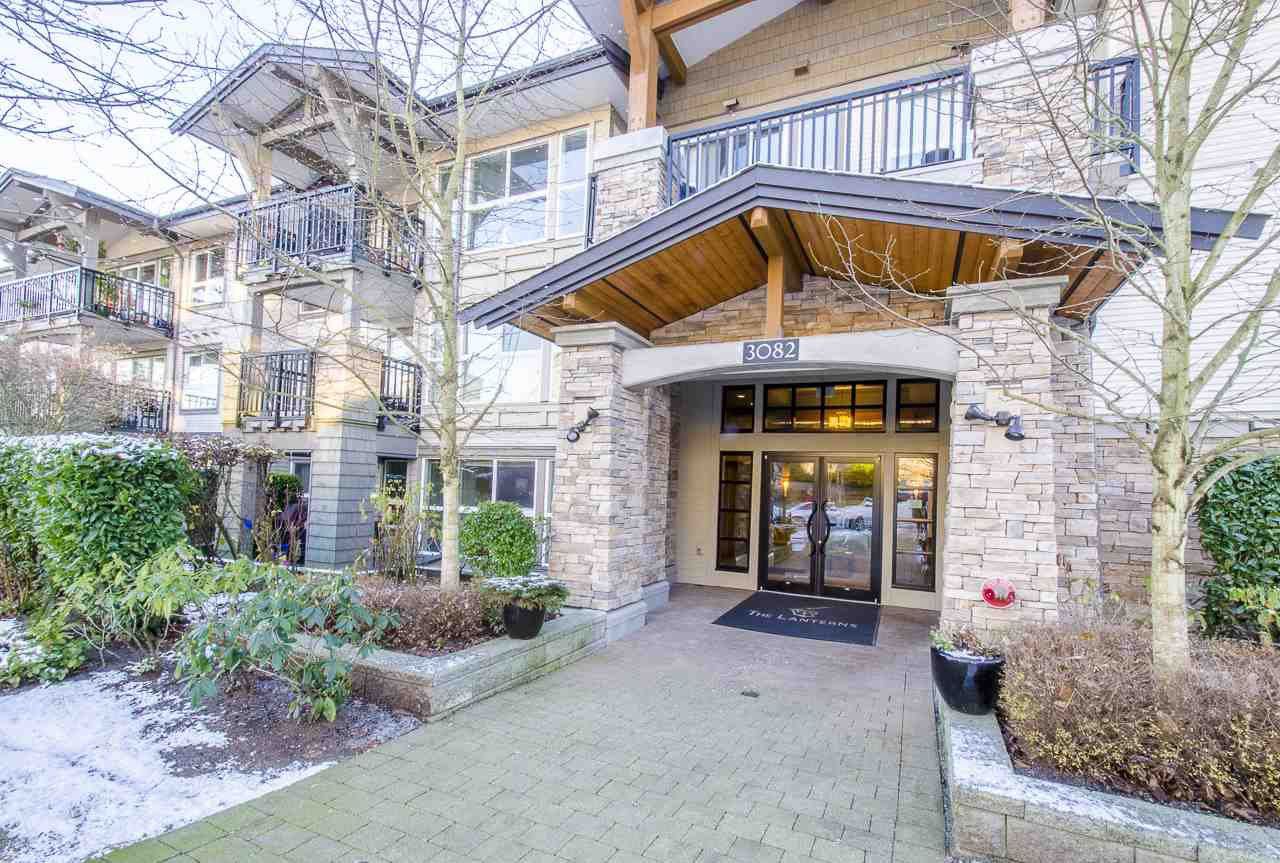 "Main Photo: 213 3082 DAYANEE SPRINGS Boulevard in Coquitlam: Westwood Plateau Condo for sale in ""LANTERNS"" : MLS®# R2127277"