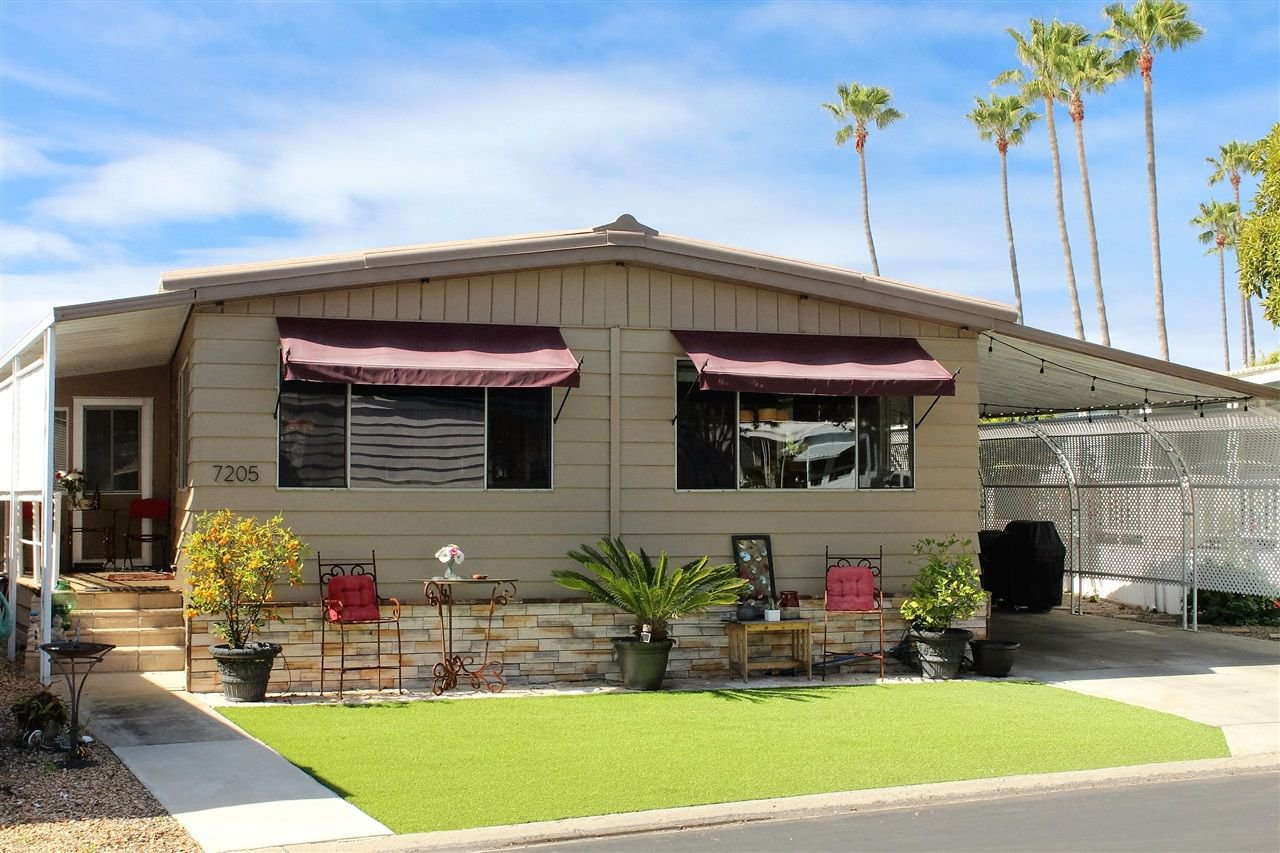 Main Photo: CARLSBAD SOUTH Manufactured Home for sale : 2 bedrooms : 7205 Santa Barbara in Carlsbad