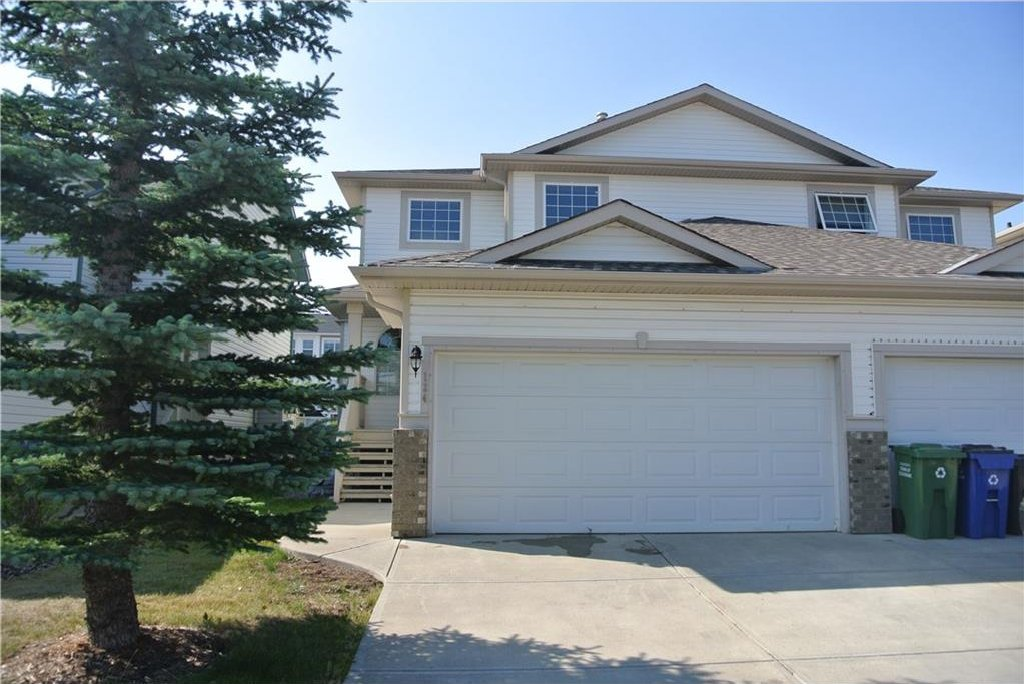 Main Photo: 124 BOW RIDGE Drive: Cochrane House for sale : MLS®# C4132296