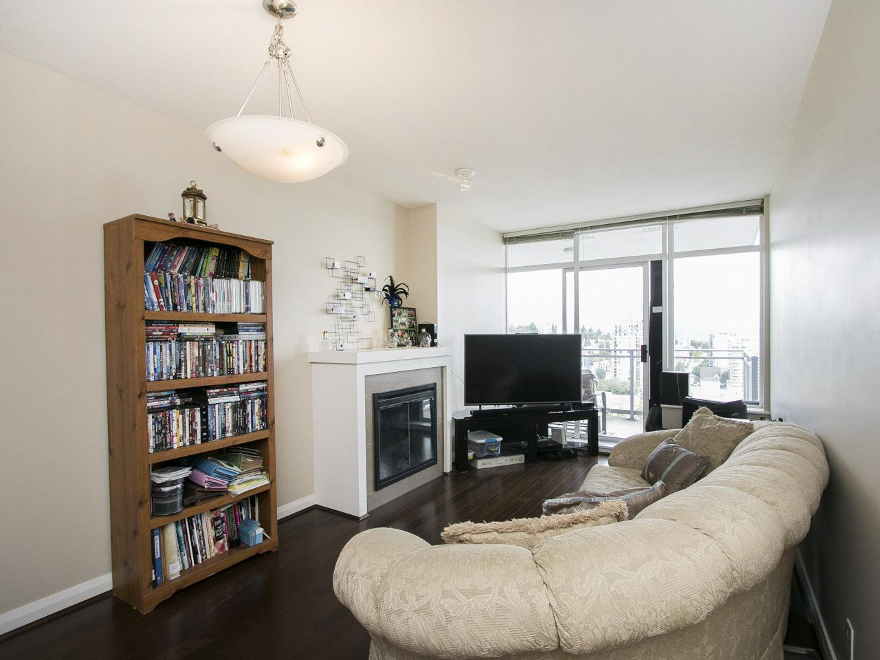 "Photo 2: Photos: 3003 888 CARNARVON Street in New Westminster: Downtown NW Condo for sale in ""Marinus at Plaza 88"" : MLS®# R2199614"