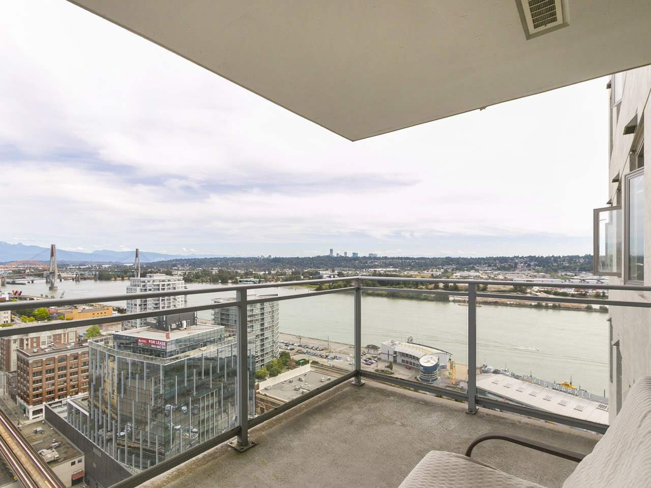 "Photo 9: Photos: 3003 888 CARNARVON Street in New Westminster: Downtown NW Condo for sale in ""Marinus at Plaza 88"" : MLS®# R2199614"