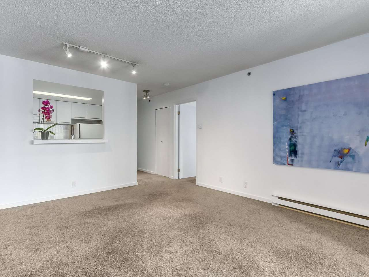 """Photo 4: Photos: 605 789 DRAKE Street in Vancouver: Downtown VW Condo for sale in """"Century Tower"""" (Vancouver West)  : MLS®# R2206186"""