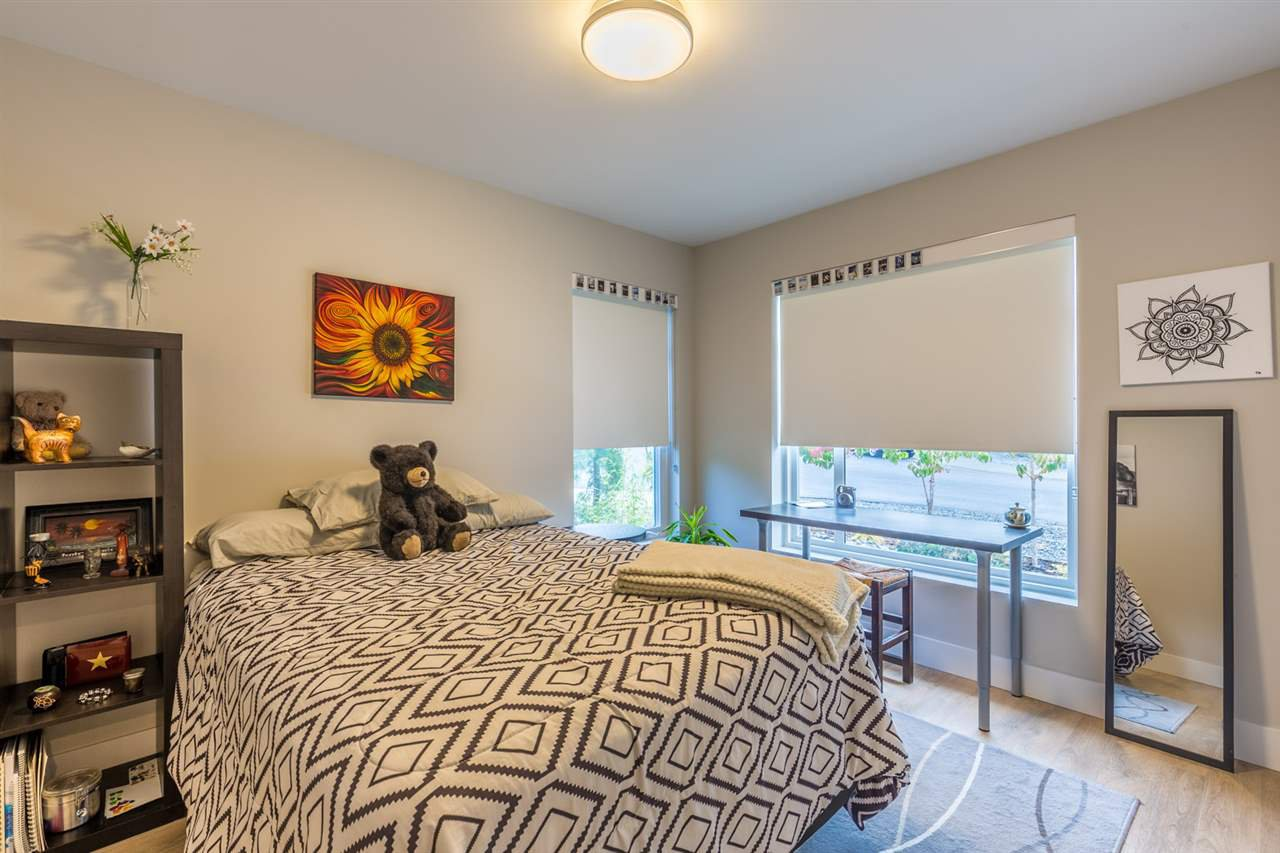 Photo 12: Photos: 6391 HIGGS Crescent in Sechelt: Sechelt District House for sale (Sunshine Coast)  : MLS®# R2214051
