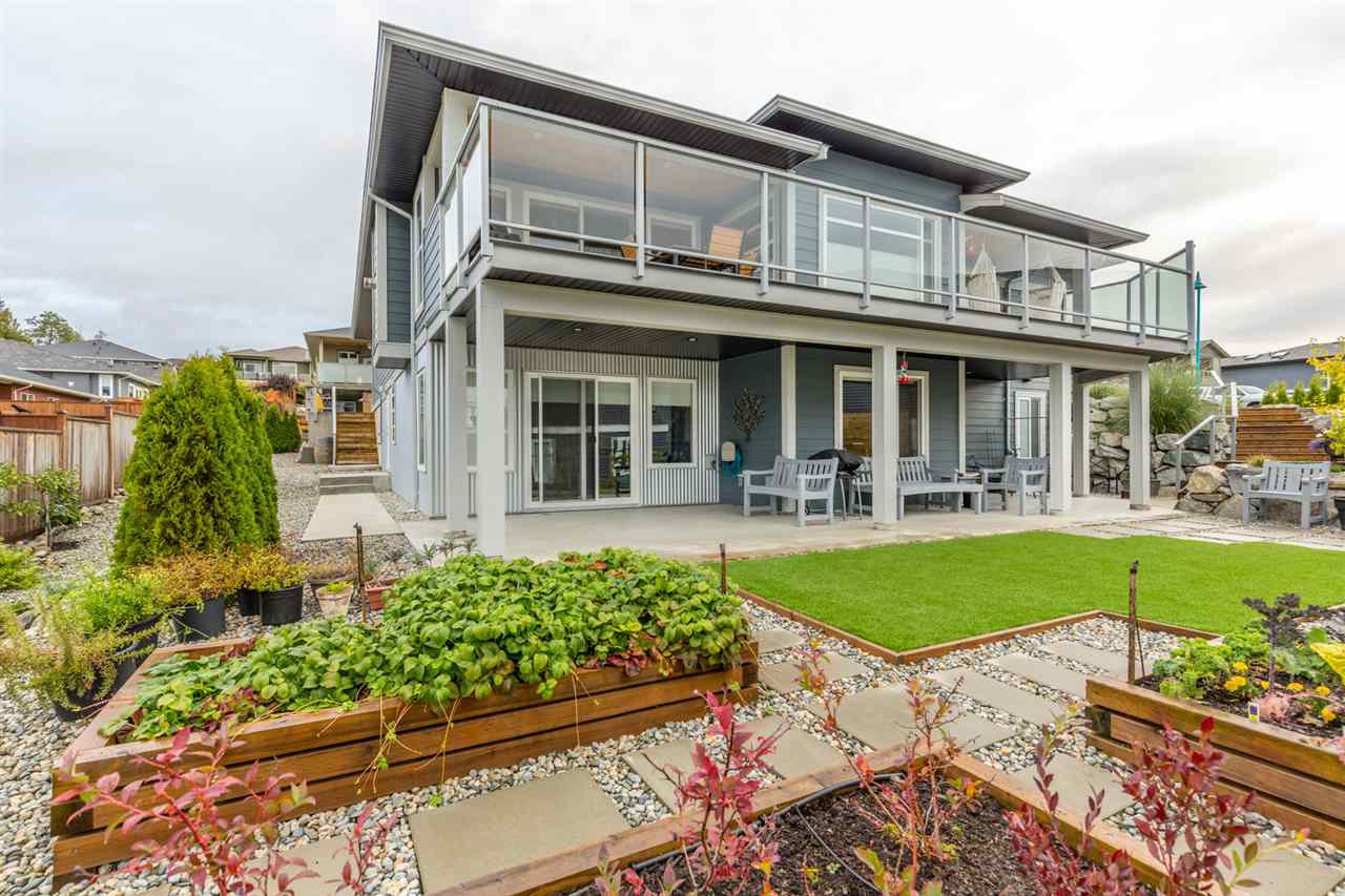 Photo 2: Photos: 6391 HIGGS Crescent in Sechelt: Sechelt District House for sale (Sunshine Coast)  : MLS®# R2214051