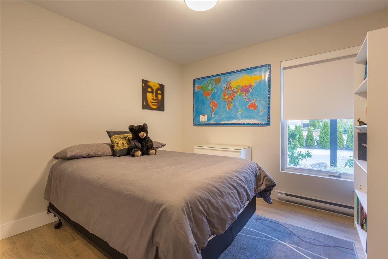 Photo 13: Photos: 6391 HIGGS Crescent in Sechelt: Sechelt District House for sale (Sunshine Coast)  : MLS®# R2214051