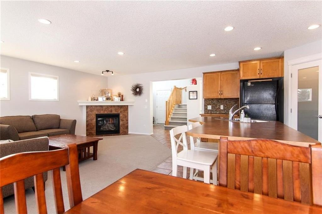 Photo 11: Photos: 944 CRANSTON Drive SE in Calgary: Cranston House for sale : MLS®# C4145156