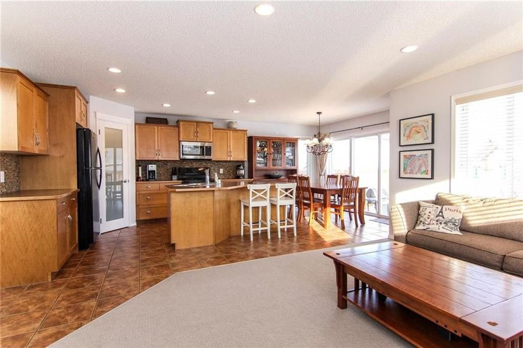 Photo 10: Photos: 944 CRANSTON Drive SE in Calgary: Cranston House for sale : MLS®# C4145156