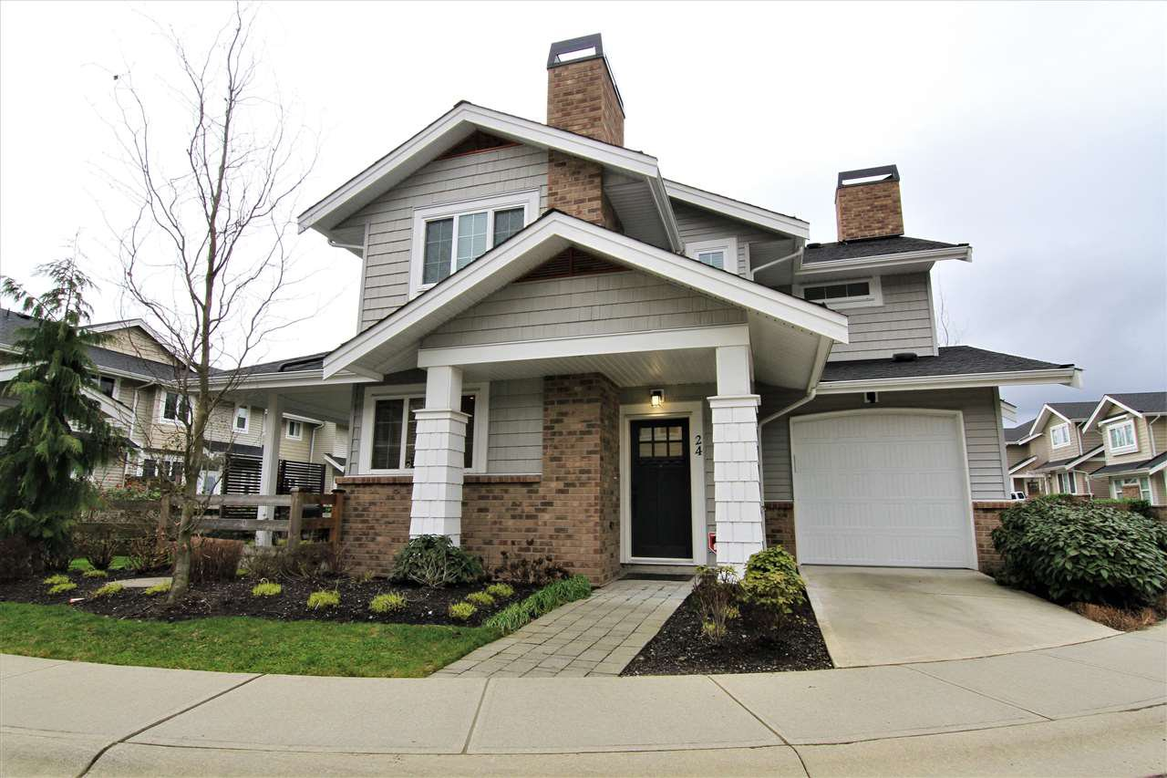 """Main Photo: 24 12161 237 Street in Maple Ridge: East Central Townhouse for sale in """"VILLAGE GREEN"""" : MLS®# R2235626"""