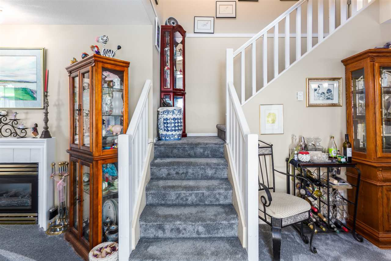 """Photo 3: Photos: 60 23085 118 Avenue in Maple Ridge: East Central Townhouse for sale in """"Sommerville Gardens"""" : MLS®# R2301161"""