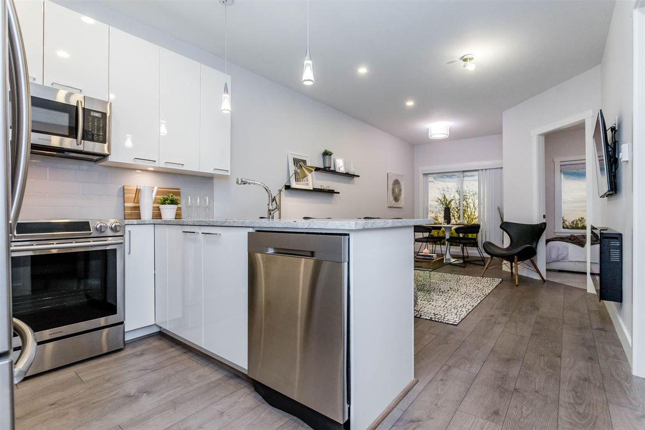 "Main Photo: 212 22315 122 Avenue in Maple Ridge: West Central Condo for sale in ""The Emerson"" : MLS®# R2386639"